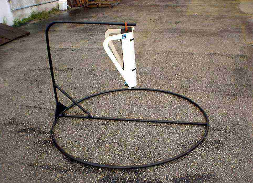 MOORING STAND H 3 FT. Dia 60""