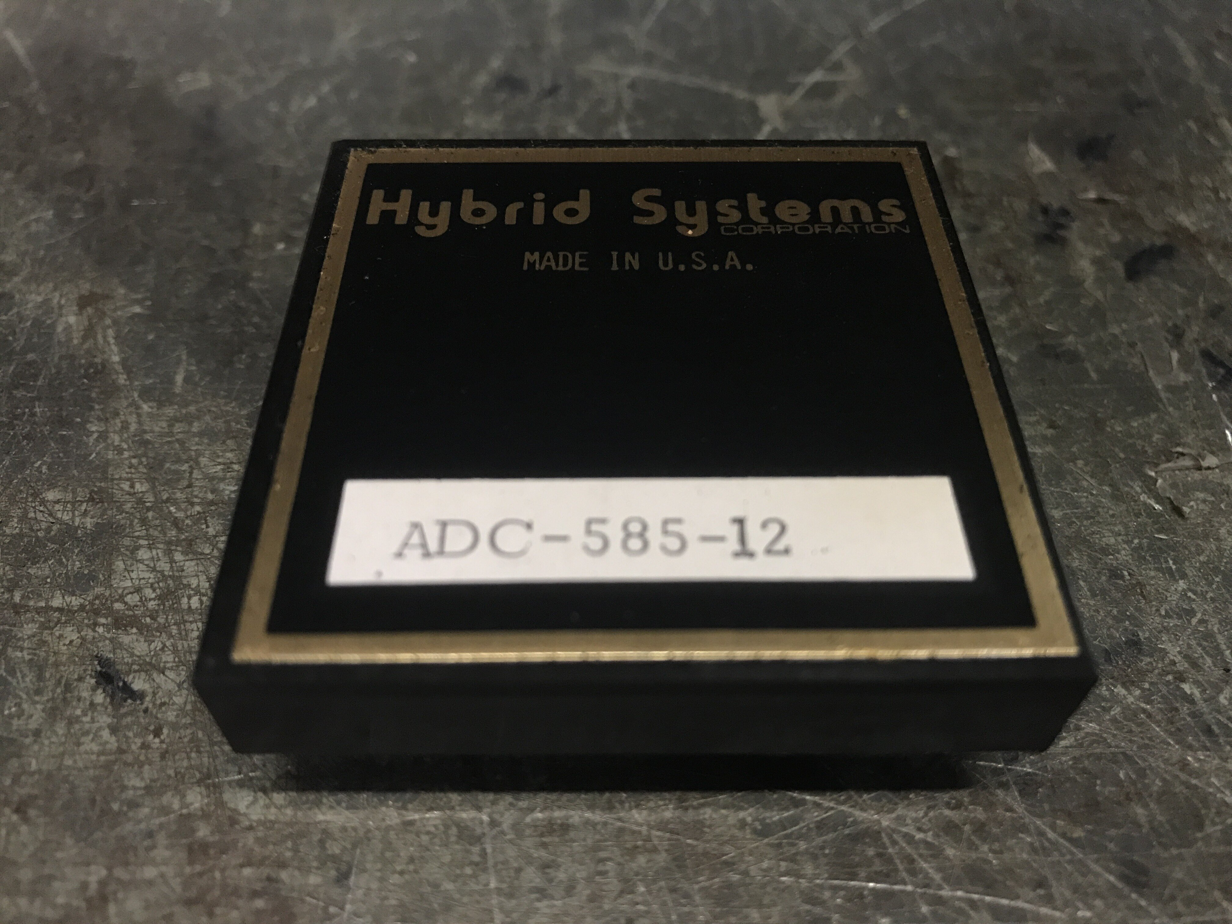 IC,A/D CONV, ADC-585-12